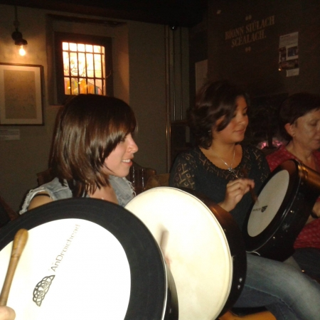 Bodhran lesson Dirty Onion pub